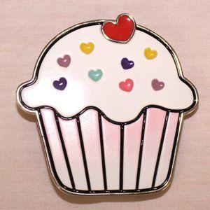 Cupcake belt buckle